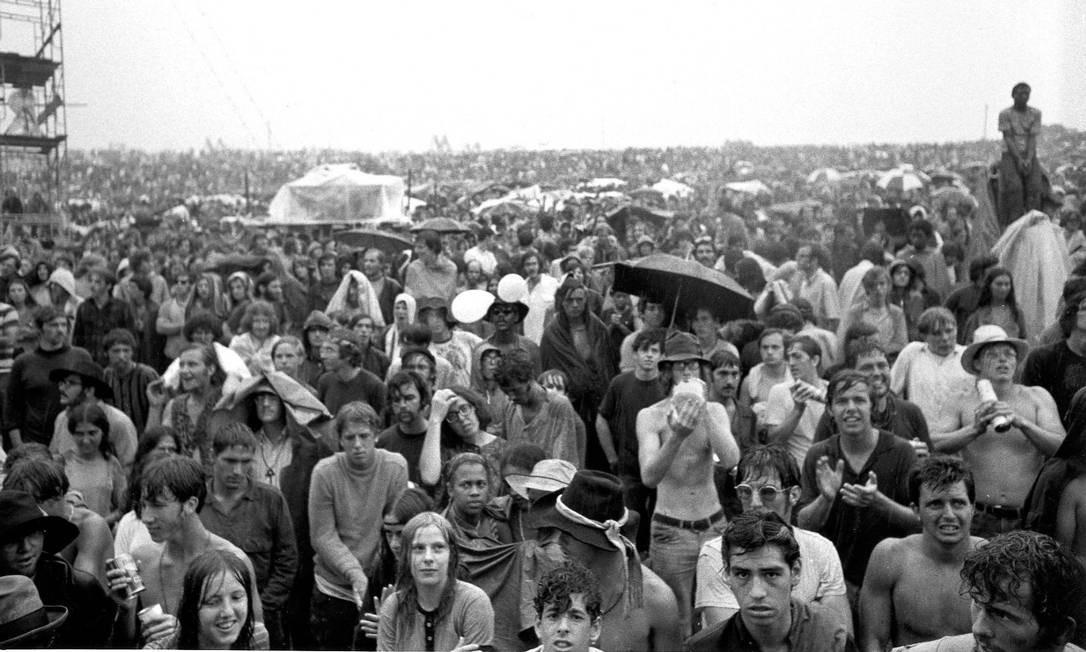 Público do festival de Woodstock, em 1969 Foto: Divulgação