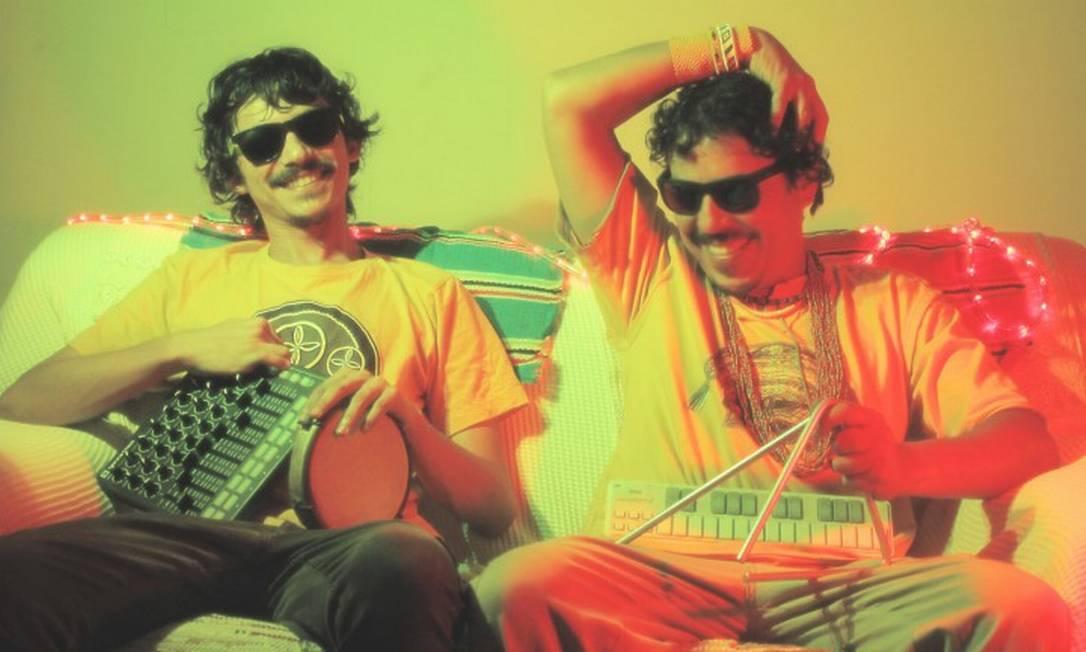 Os brasilienses Geninho Nacanoa e Ramiro Galas, a dupla por trás do Forró RED Light Foto: Divulgação