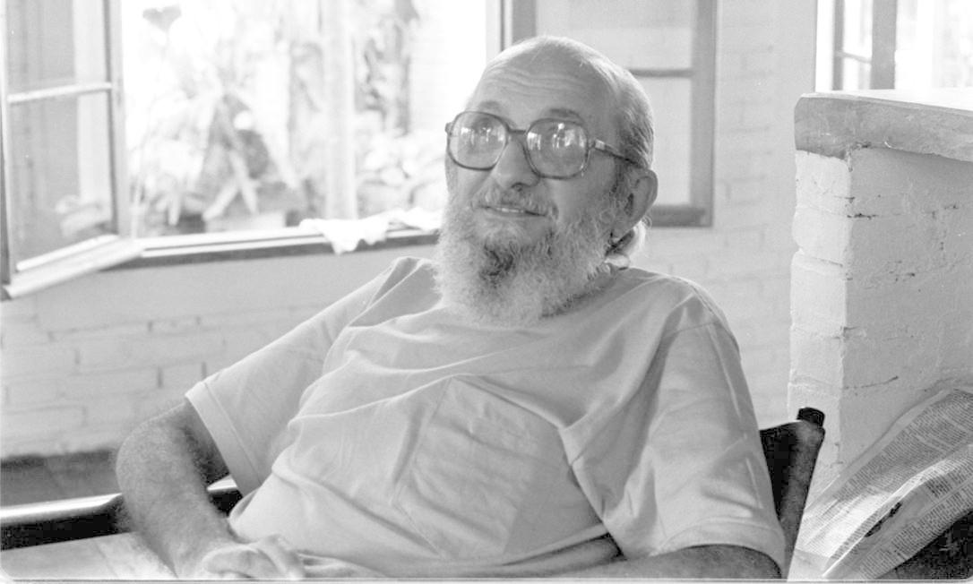 Paulo Freire, fotografado em agosto de 1979, após seu retorno do exílio. Ideias do educador estão presentes nas principais universidades do mundo Foto: Arquivo / Agência O Globo