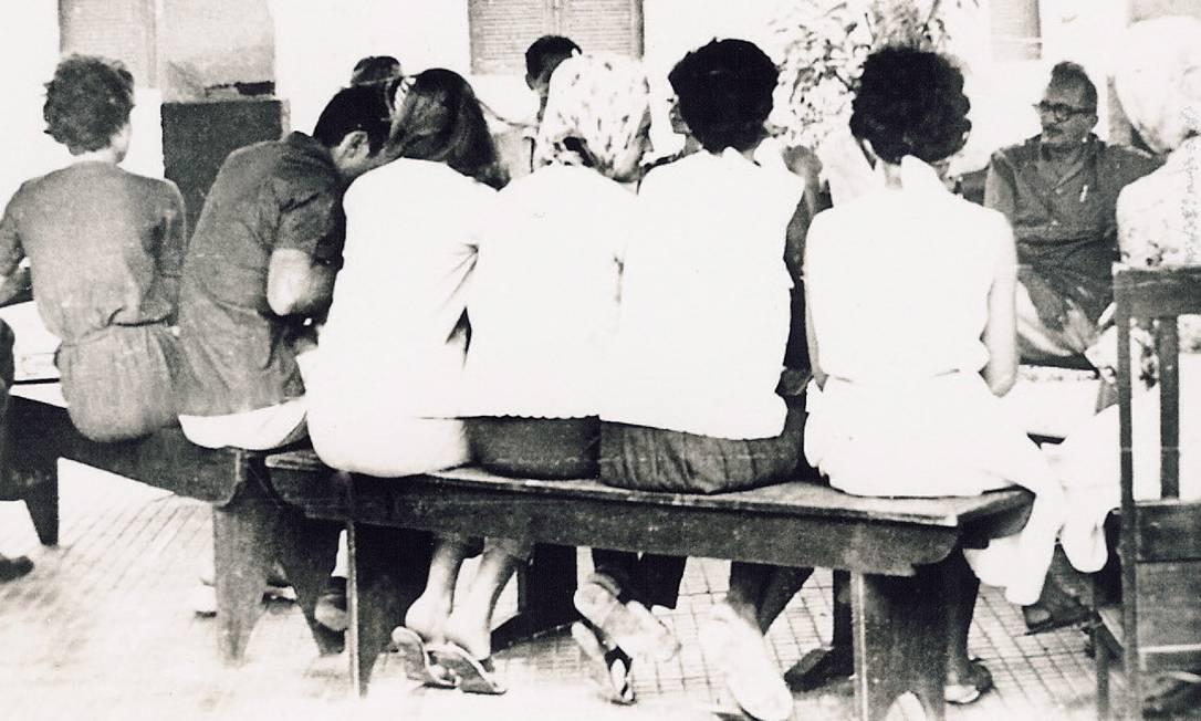 Método pioneiro. Paulo Freire desenvolveu modelo de alfabetização de adultos que levava em conta a experiência de vida dos alunos Foto: Reprodução