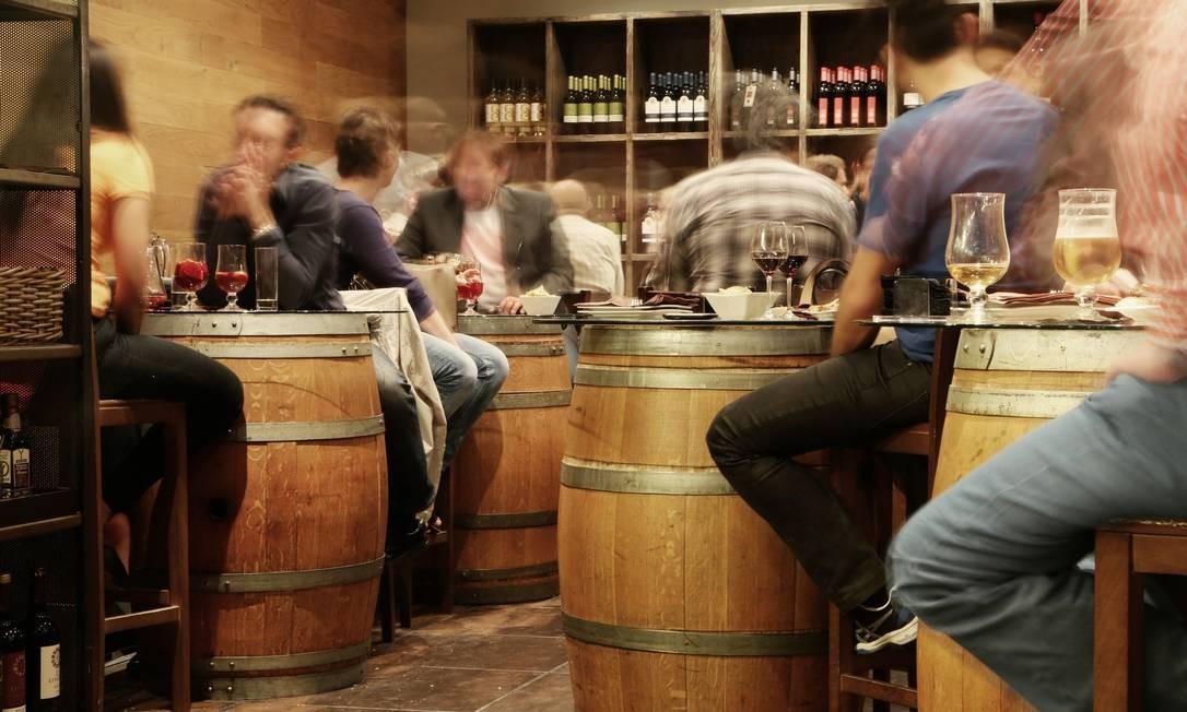 Os pesquisadores compararam a atividade do córtex pré-frontal antes e durante o consumo de bebidas. Foto: Pixabay