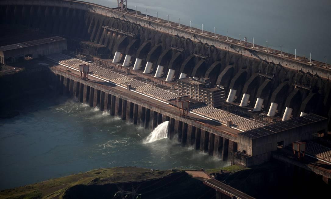 Vista aérea da hidrelétrica de Itaipu Foto: Dado Galdieri / Bloomberg