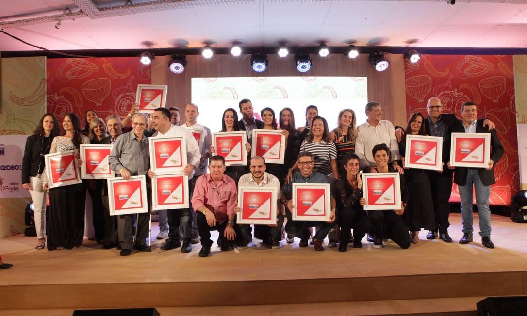 Os vendedores de todas as categorias do Prêmio Água na Boca do ano passado, no Reserva Cultural Foto: Berg Silva / Agência O Globo