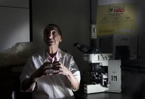 No setor de DSTs da UFF, especialista diz ser inaceitável números da doença serem tão expressivos numa cidade de IDH tão alto Foto: Antonio Scorza / Agência O Globo