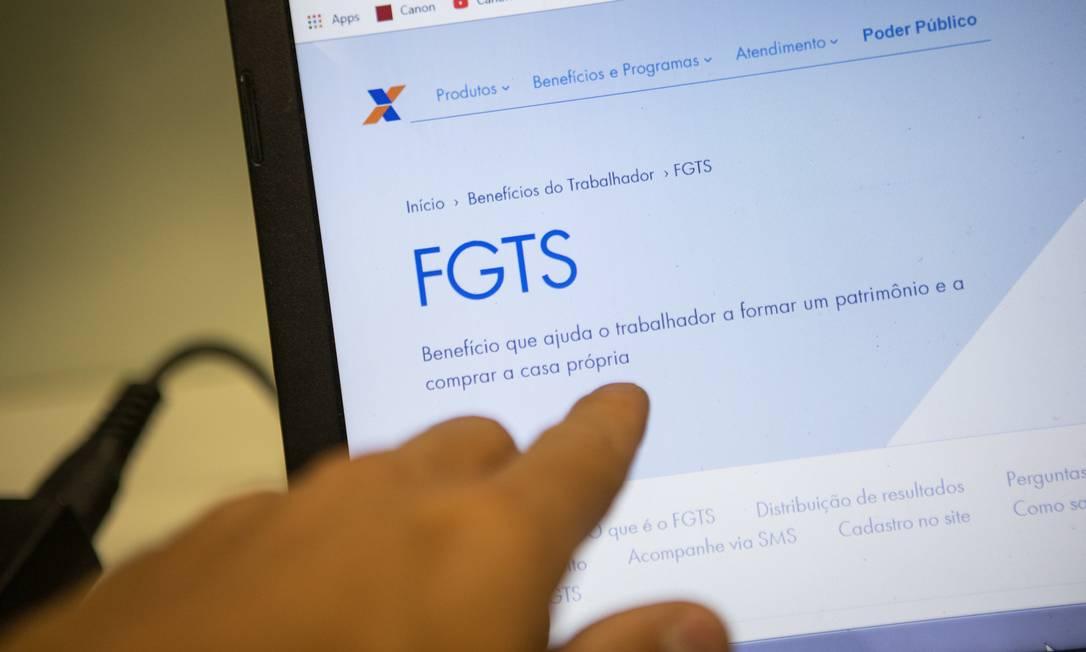 Distribuição total de lucro do FGTS faz com que Fundo renda mais que a poupança este ano Foto: Gabriel Monteiro / Agência O Globo