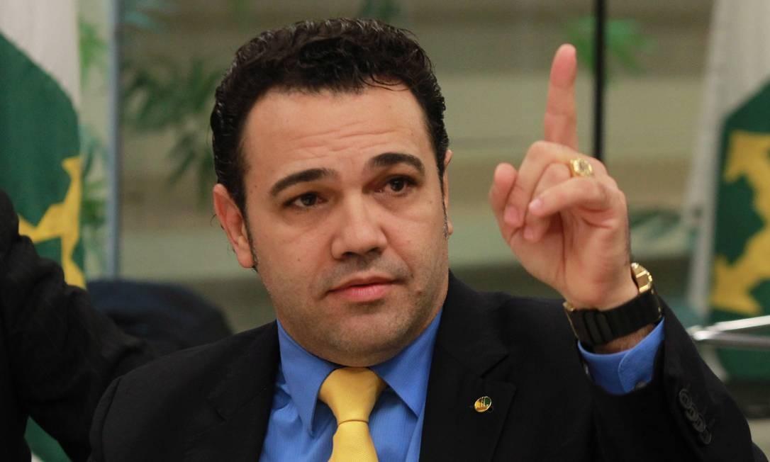 Autor de inúmeras declarações polêmicas envolvendo homossexuais e negros, o deputado Pastor Marco Feliciano (Podemos-SP) foi nomeado presidente da Comissão de Direitos Humanos da Câmara, em março de 2013 Foto: Givaldo Barbosa / Agência O Globo 5/3/2013
