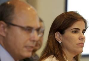 Witzel e Fabiana Bentes durante o anúncio do secretariado, em dezembro Foto: Marcelo Theobald / Agência O Globo