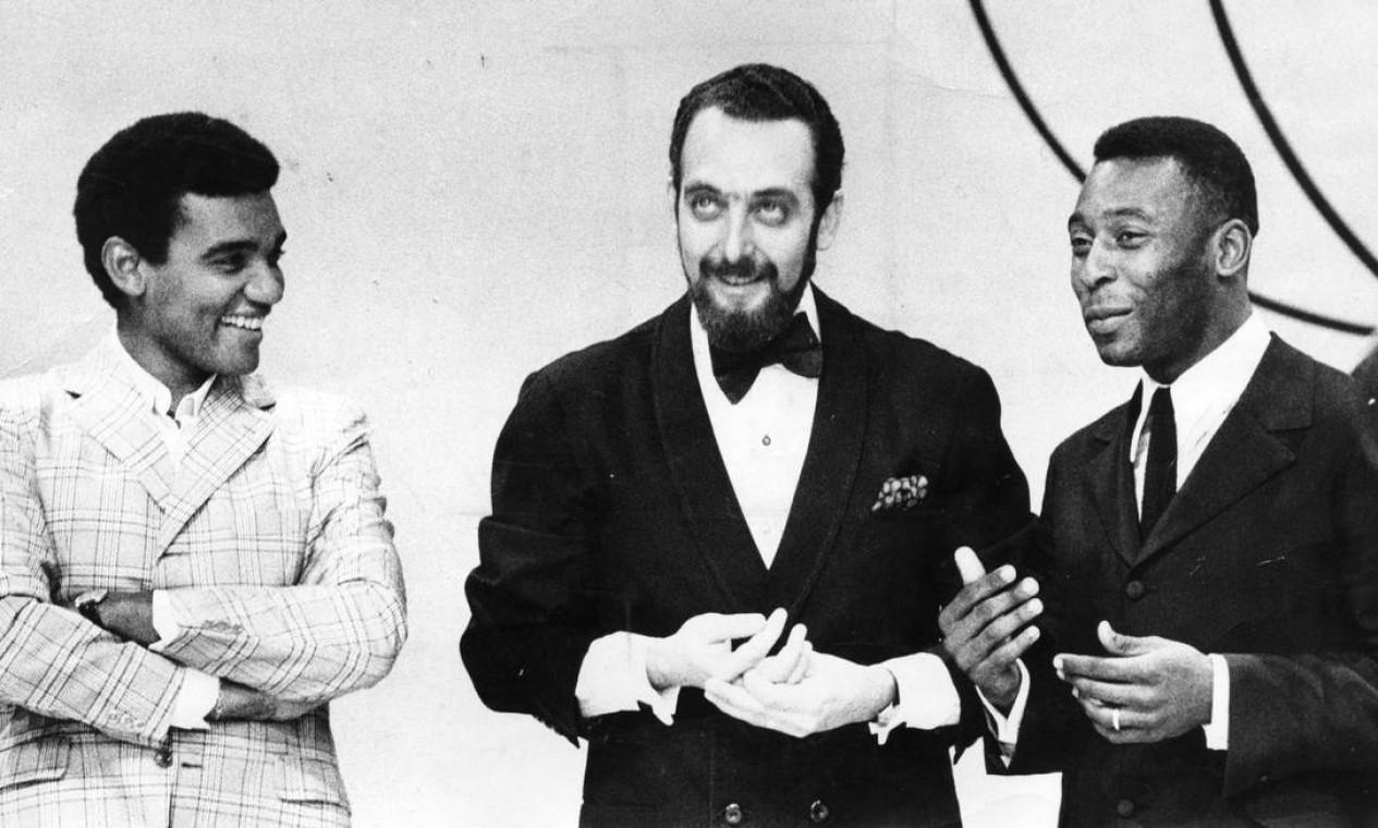 Wilson Simonal com Luis Carlos Miele e Pelé, na década de 60 Foto: Arquivo / Agência O Globo