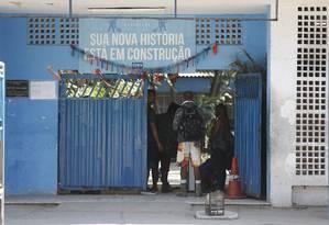 Fachada de um dos abrigos da prefeitura Foto: Pablo Jacob / Agência O GLOBO