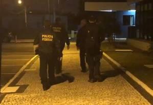 Agentes da Polícia Federal (PF) fazem operação em sete estados para desarticular núcleo financeiro de facção Foto: Divulgação / PF