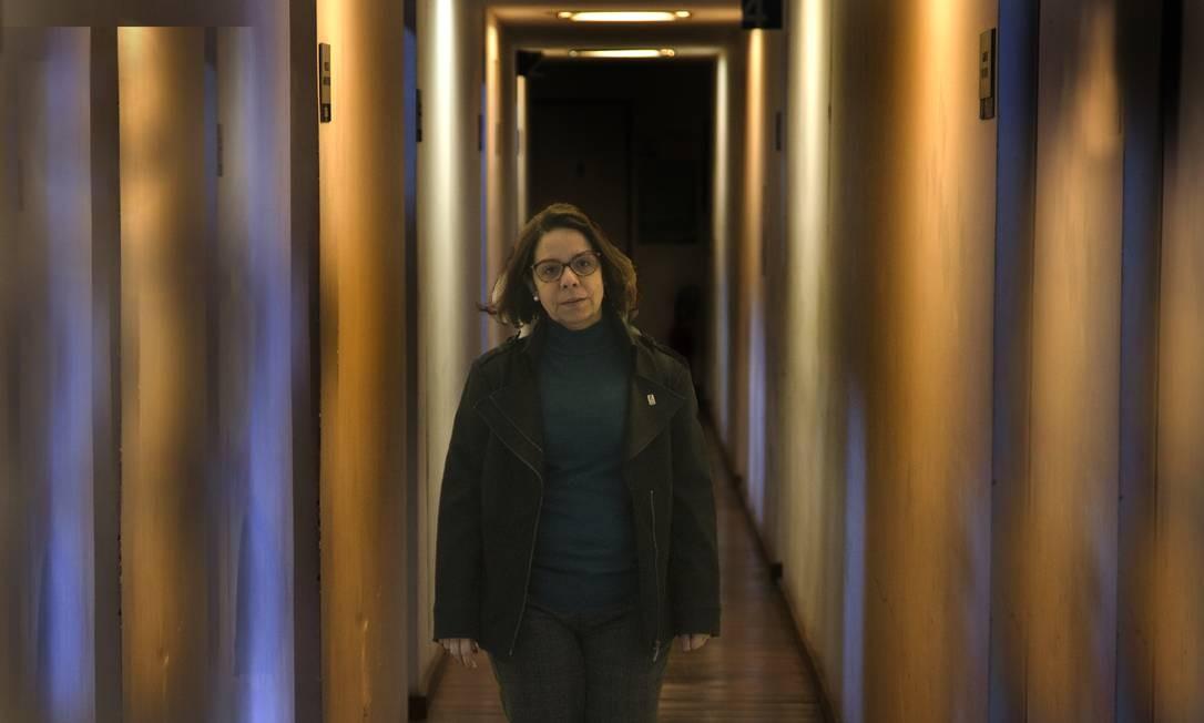 RI Rio de Janeiro (RJ) 06/08/2019 Denise de Carvalho, reitora da UFRJ caminha pelos corredores da reitoria Foto: Antonio Scorza / Agencia O Globo Foto: Antonio Scorza / Agência O Globo