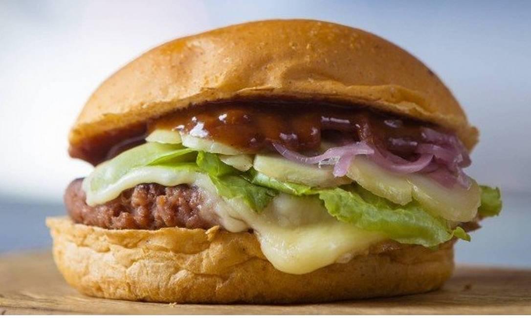 O hambúrguer de vegetais do restaurante T.T. Burguer Foto: Leo Martins - Agência O Globo