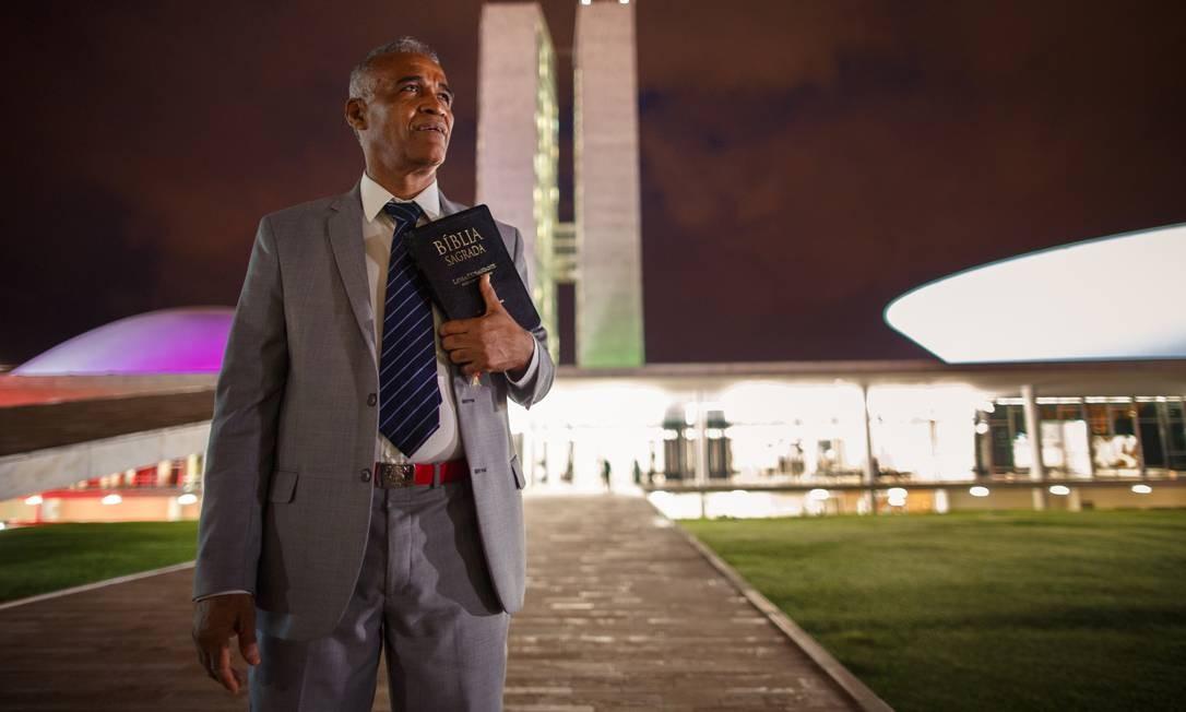 Pastor Sargento Isidório (Avante-BA) mudou de lado e agora é contra a reforma. Ele anunciou a mudança de posicionamento antes da votação, por meio de redes sociais. O motivo para a mudança do parlamentar foi o aumento da tensão entre o Jair Bolsonaro e os governadores de sua região, o Nordeste Foto: Daniel Marenco / Agência O Globo