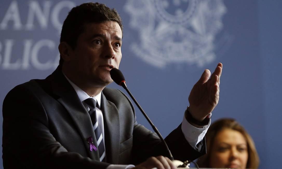 O ministro da Justiça, Sergio Moro, na assinatura do Pacto para Implementação de Políticas Públicas de Prevenção e Combate à Violência contra as Mulheres. Foto: Jorge William / Agência O Globo