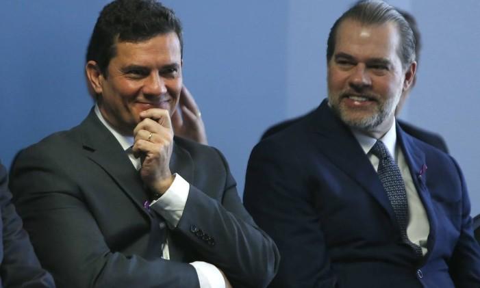 O ministro da Justiça, Sergio Moro, e o presidente do STF, Dias Toffoli Foto: Jorge William / Agência O Globo