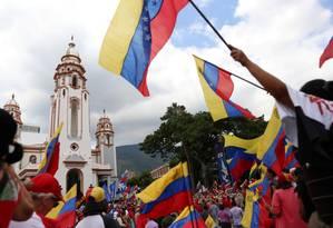 Chavistas saem às ruas em comemoração ao bicentenário da Batalha de Boyaca Foto: STRINGER / REUTERS
