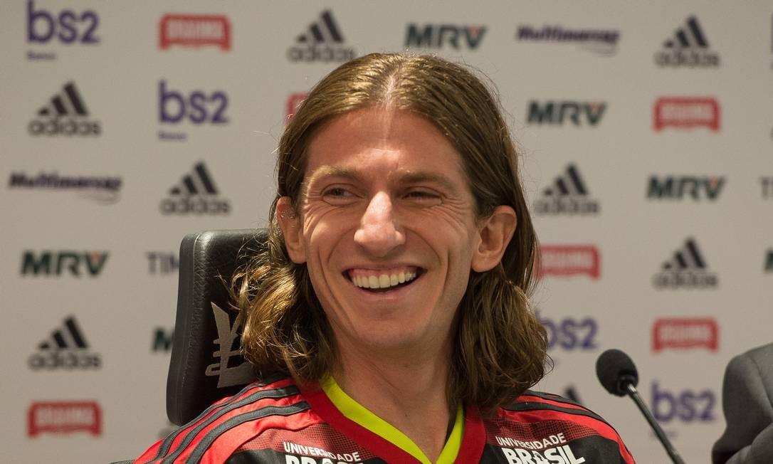 Filipe Luís é apresentado como o novo reforço do Flamengo. O lateral-esquerdo de 33 anos jogava no Atlético de Madrid, da Espanha, e assinou contrato até 2021 Foto: Alexandre Vidal / Divulgação Flamengo