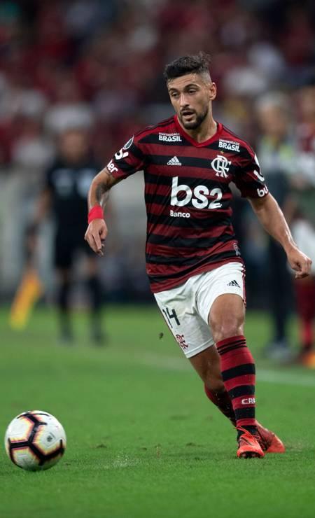 O meia uruguaio De Arrascaeta, 25 anos, tem contrato de cinco anos com o Flamengo, após boa passagem pelo Cruzeiro Foto: Mauro Pimentel / AFP