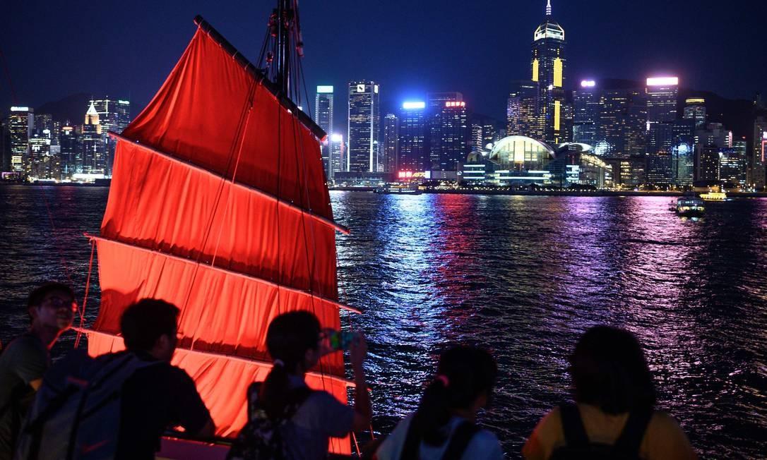 Acessar Google Maps ou WhatsApp na China não é tarefa fácil Foto: Philip Fong / AFP