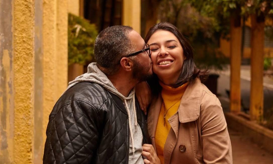 Diálogo aberto marca a relação de pai e filha Foto: Luca Oliva