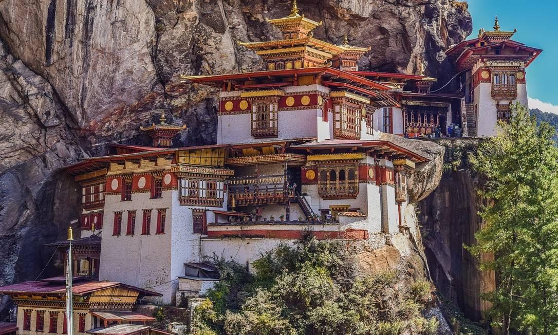 Mosteiro de Takshang, em Paro, no Butão, também conhecido como o Ninho do Tigre Foto: Pixabay / Reprodução
