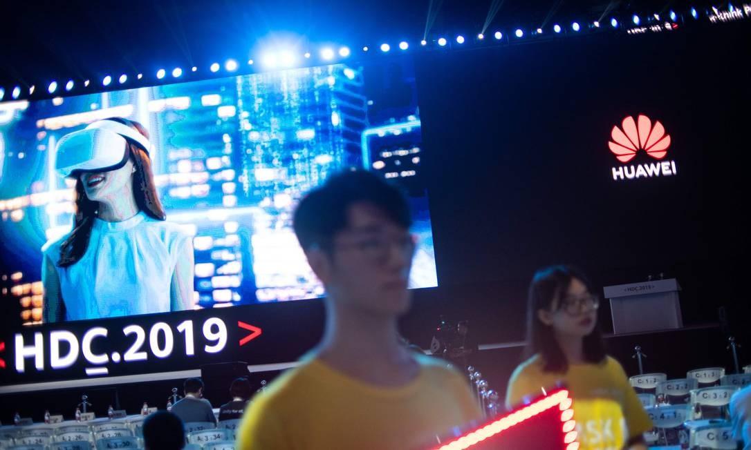 Huawei lança seu sistema operacional, o HarmonyOS, em evento em Guangdong Foto: Fred Dufor / AFP