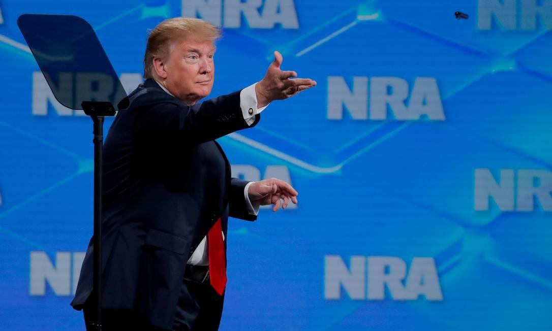 O presidente Donald Trump durante um discurso na Associação Nacional de Rifle, em abril deste ano Foto: Lucas Jackson / REUTERS