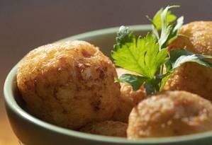 Arancini é um produto tradicional da culinária da ilha da Sicília, na Itália Foto: Ana Branco / Agência O Globo