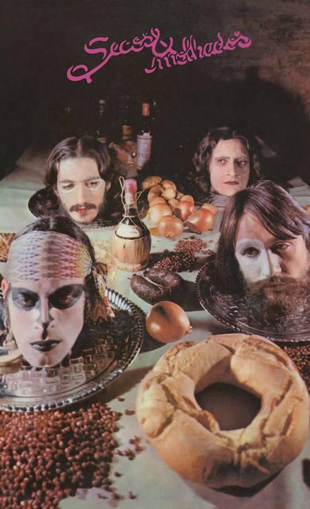 Capa do LP de estreia do grupo, de 1973 Foto: Reprodução