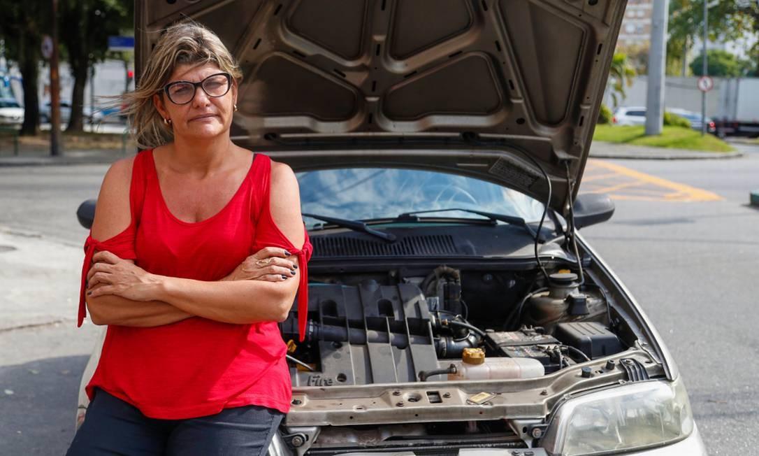 Mesmo sendo dona de oficina, Renata teve problemas no próprio veículo causados por gasolina adulterada Foto: Marcelo de Jesus