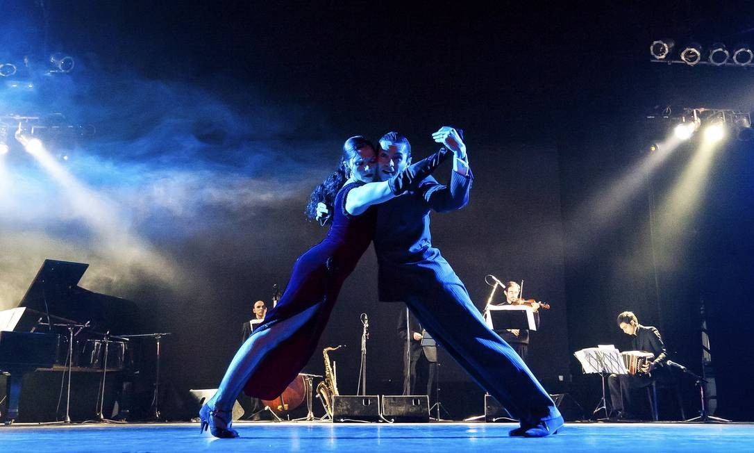 Casal de bailarinos se apresenta numa edição passada do Tango Buenos Aires Festival y Mundial, na capital argentina Foto: Turismo de Buenos Aires / Divulgação