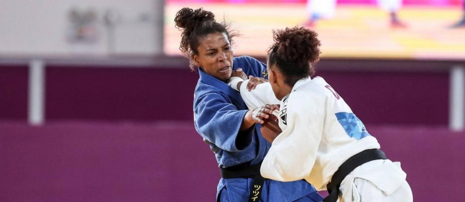 Rafaela Silva, de azul, conquistou o ouro que faltava Foto: Wander Roberto/COB