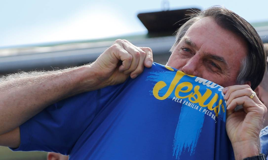 Jair Bolsonaro durante a Marcha de Jesus de Brasília Foto: ADRIANO MACHADO / REUTERS