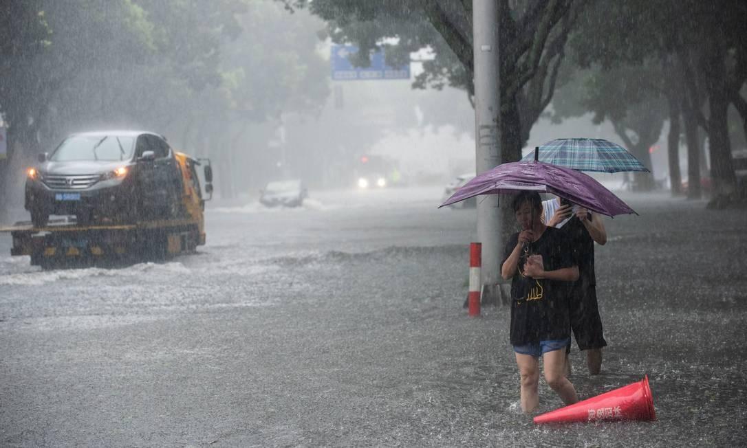 Enchente causada pela passagem do Tufão Lekima na província de Zhejiang, leste da China Foto: CHINA STRINGER NETWORK / REUTERS