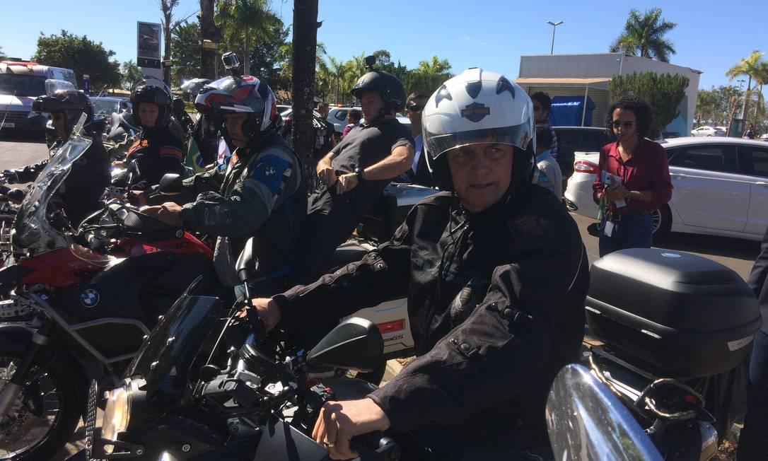 Bolsonaro passeou por Brasília de moto Foto: Daniel Gullino
