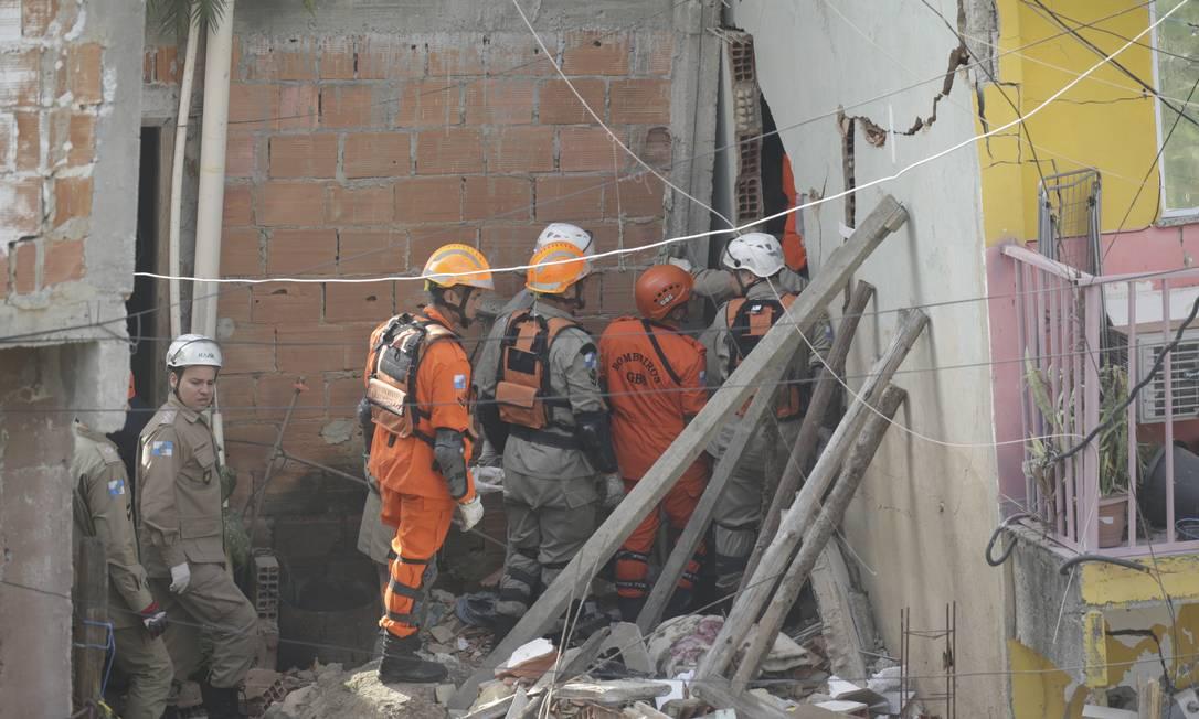As vítimas estavam no primeiro andar do prédio Foto: Gabriel Paiva / Agência O Globo