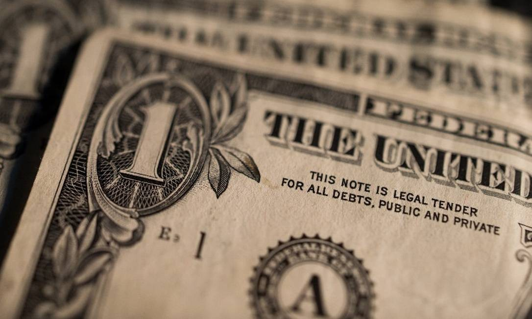 Notas de dólar: moeda registra alta em relação ao real Foto: Arquivo
