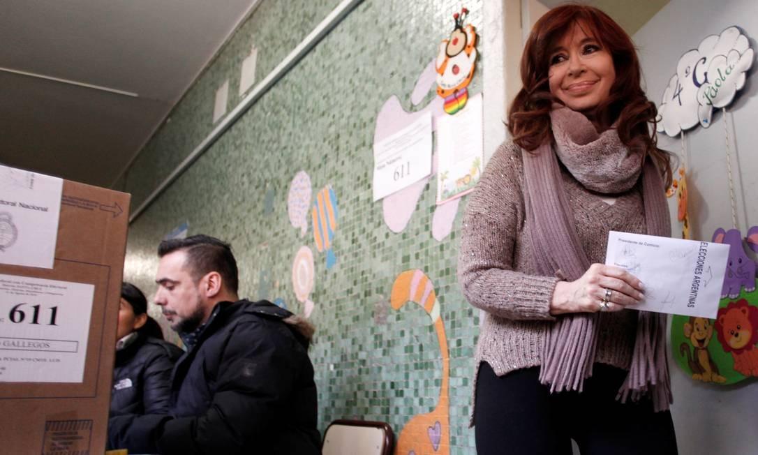A ex-presidente Cristina Kirchner, vice-presidente na chapa do candidato Alberto Fernández, durante votação, em Rio Gallegos Foto: STRINGER / REUTERS