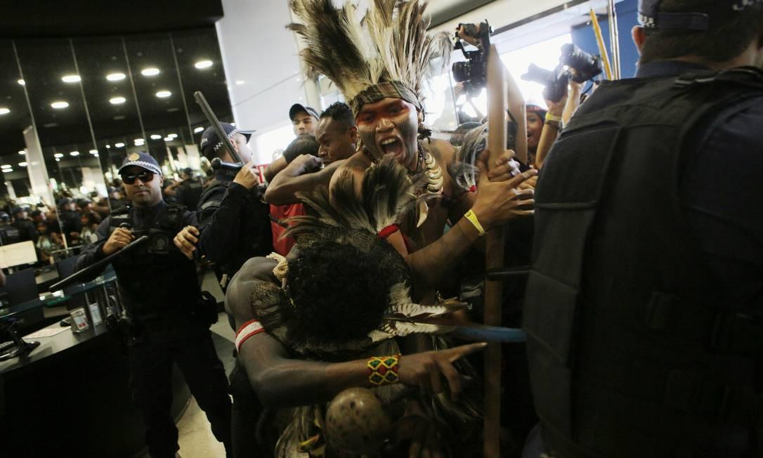 Servidores acionaram a Polícia Militar do Distrito Federal, que reforçou a segurança no local Foto: STRINGER / REUTERS