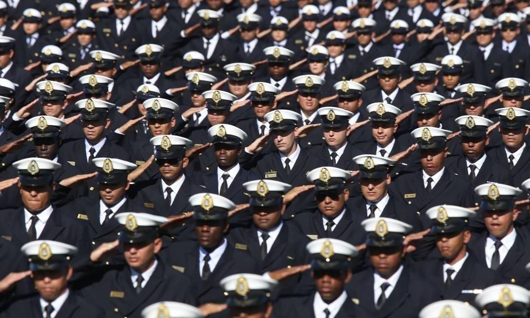 Formatura de militares no Rio, no Centro de Instrução Almirante Alexandrino Foto: Marcelo Regua / Agência O Globo