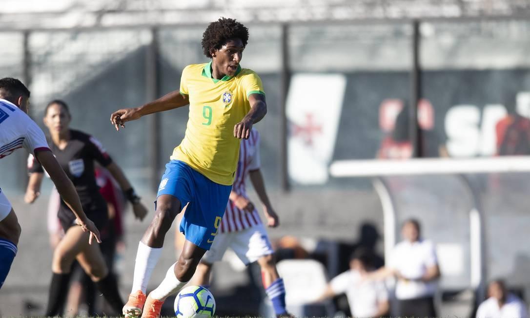 Talles Magno em amistoso da seleção sub-17 em São Januário Foto: Lucas Figueiredo/CBF