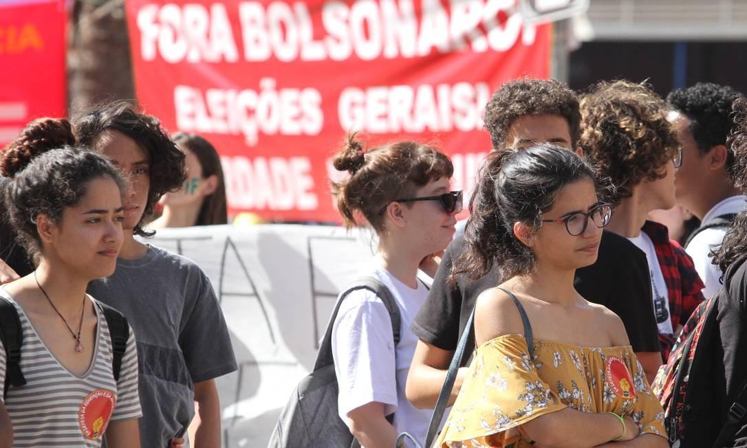Protesto é a favor da educação e contra os cortes do governo federal no setor Foto: Luciano Claudino/Código19 / Agência O Globo