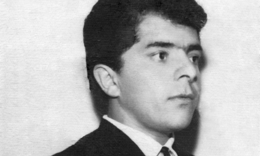 1955 / RUMO A SÃO PAULO - Aos 7 anos, Lula deixa Pernambuco rumo ao litoral de São Paulo, onde vivia o pai. Na foto, Lula já adolescente Foto: Instituto Lula / Divulgação