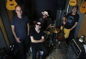 O Barão Vermelho em 2019: Fernando Magalhães (à esquerda), Maurício Barros, Rodrigo Suricato e Guto Goffi Foto: Fabio Rossi / Agência O Globo