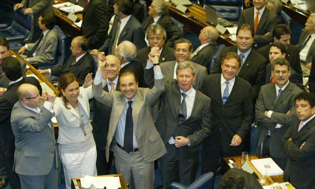 A DERROTA - No final de 2007, senadores de oposição aplicaram a maior derrota política ao governo Lula ao derrubarem a cobrança da CPMF Foto: Ailton de Freitas / Agência O Globo