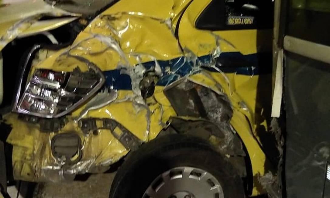 Um dos veículos envolvidos no acidente no Túnel Marcello Alencar, Centro do Rio Foto: Reprodução
