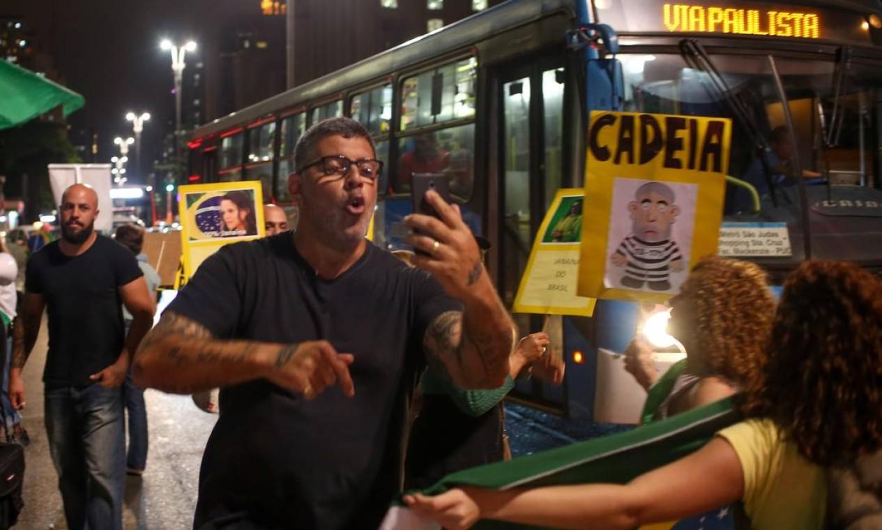 Adotou a faceta política nos atos pelo impeachment da então presidente Dilma Rousseff. Foi para o MBL, mas brigou com o grupo Foto: Pedro Kirilos / Agência O Globo 30/08/2016