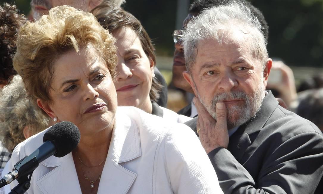 Os ex-presidentes Dilma Rousseff e Luiz Inácio Lula da Silva Foto: Givaldo Barbosa / Agência O Globo