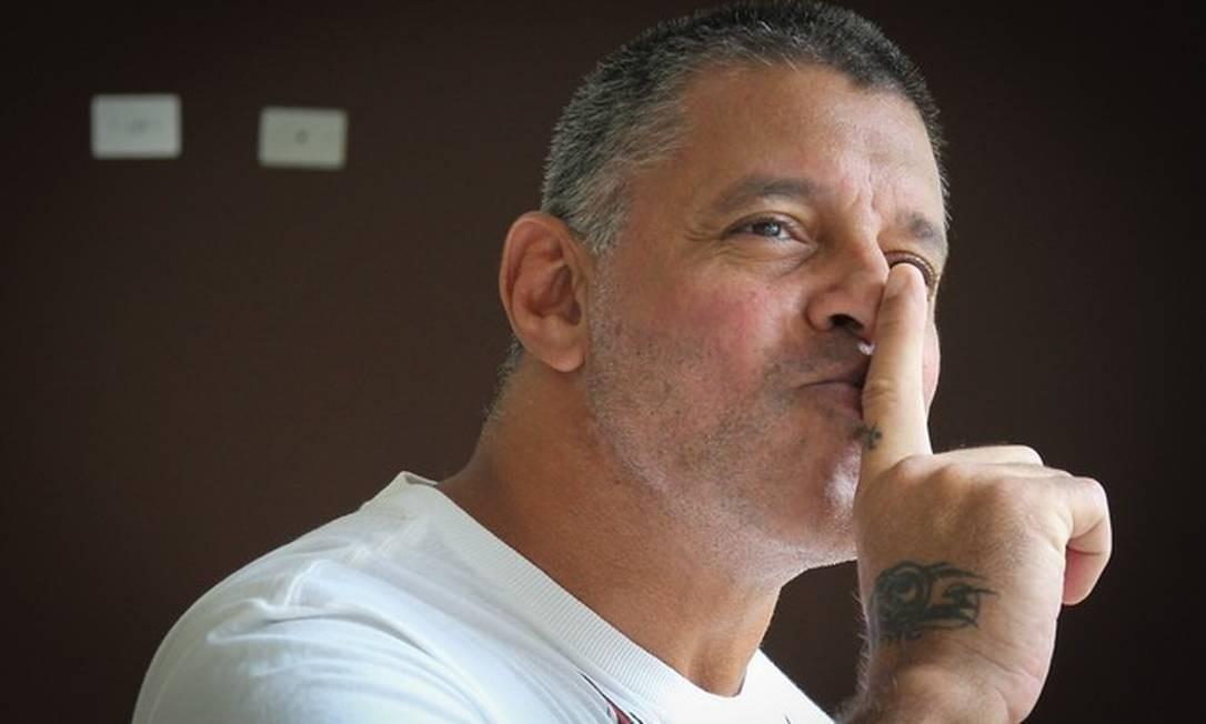 Alexandre Frota posa para foto que ilustrou entrevista de 2014 Foto: Marcos Alves/Agência O Globo