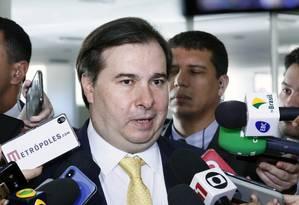 O presidente da Câmara, Rodrigo Maia, em entrevista à imprensa Foto: Luis Macedo/Câmara dos Deputados